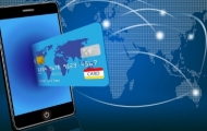 Безопасно ли держать деньги на банковской карте?