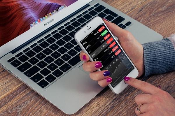 список лучших финансовых приложений для мобильного телефона
